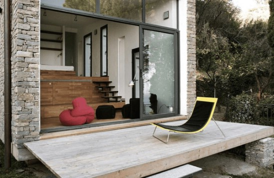 This Magical Tiny House Unites Modern Design with Gorgeous Surroundings {2}