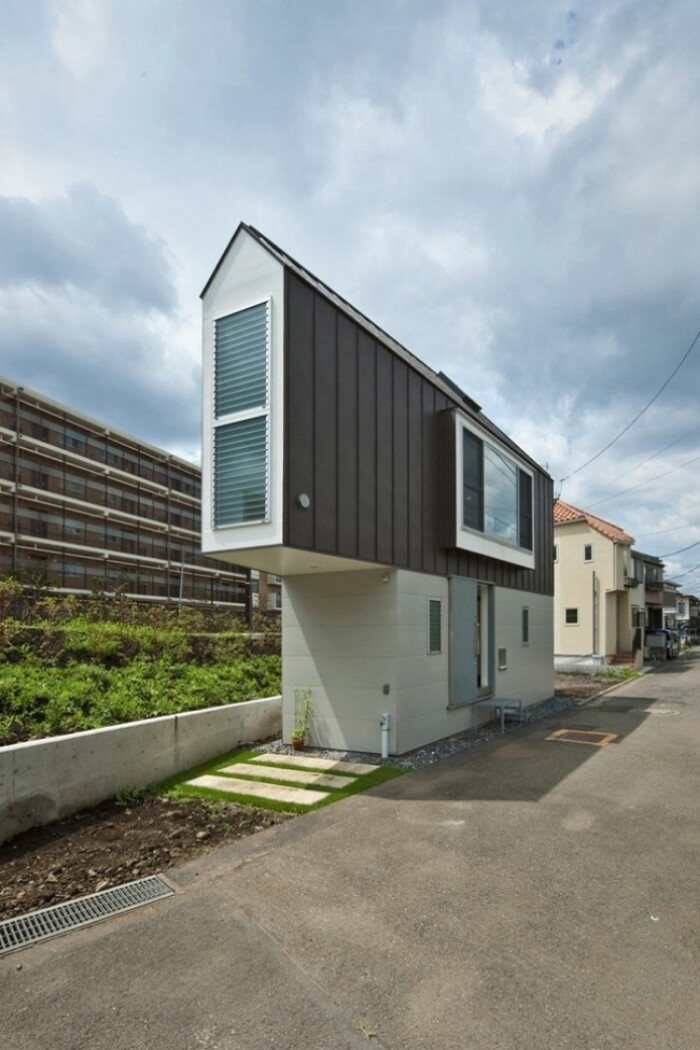 Japanese Narrow Tiny House Feels SO Spacious On the Inside! {16 Photos}