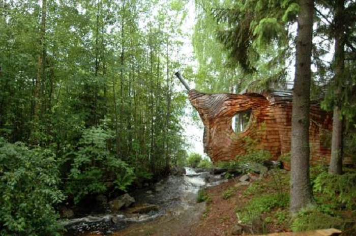 Organic Architecture: Tiny House in Sweden, Looks Like It Was Grown, Not Built