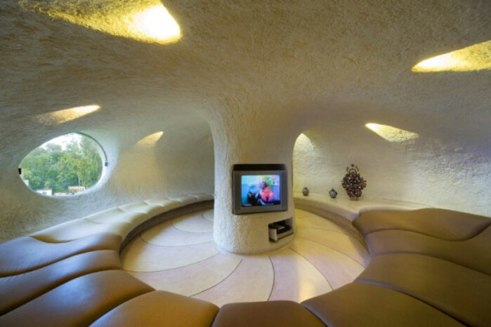 House Tour: Fairy Tale Tiny House Built by Javier Senosiain