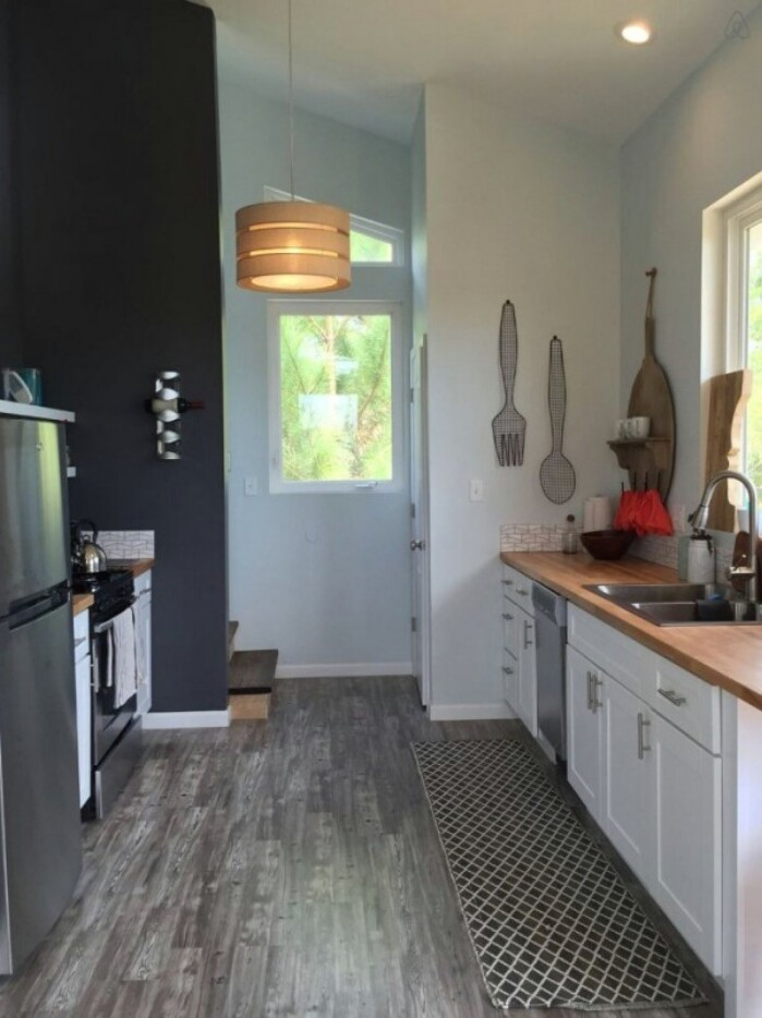 Practically Gorgeous 576 Square Foot Beach Tiny House From Gulfport {19 Photos}