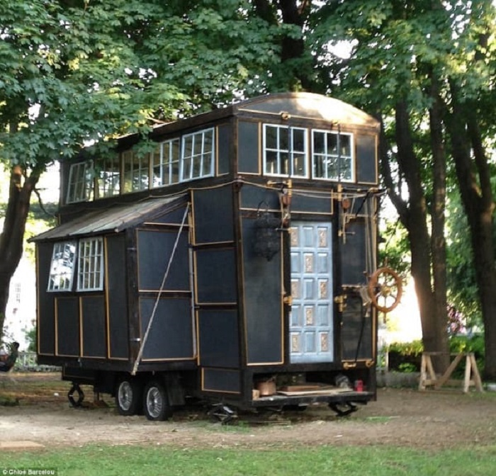 "Resourceful Couple Built a ""Cinematic"" Tiny House for Just $10,000!"