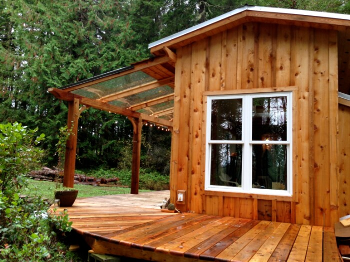 Tiny house tour perfectly rustic tiny mountain log cabin Tiny cabin