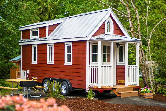 Elm by Tumbleweed Tiny Houses Will Seduce You With its Rustic Charm