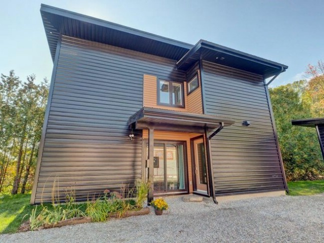 Canadian Man Takes His Love for Tiny Homes to a New Level {Tiny House Tour 21 Photos}