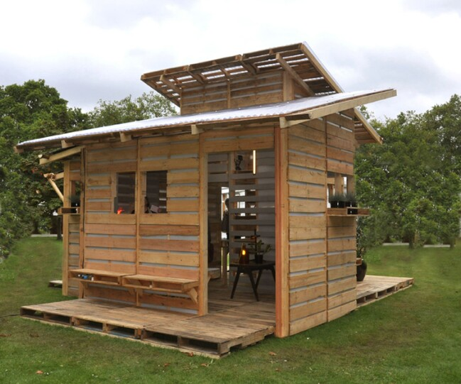 From recycled wood pallets to tiny houses genius Four lights tiny house plans
