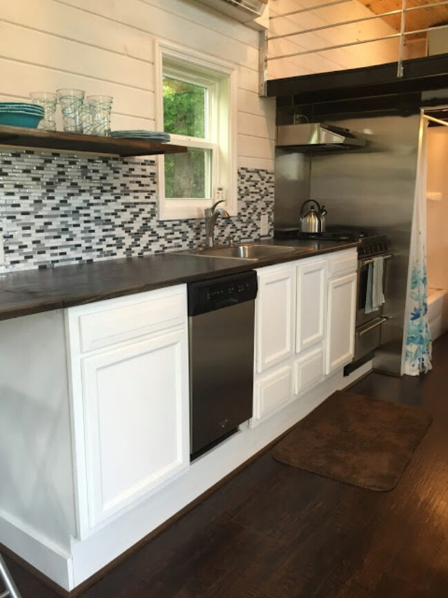 Tiny House Hunters Fans Build Their Own 280 Sq Ft Tiny