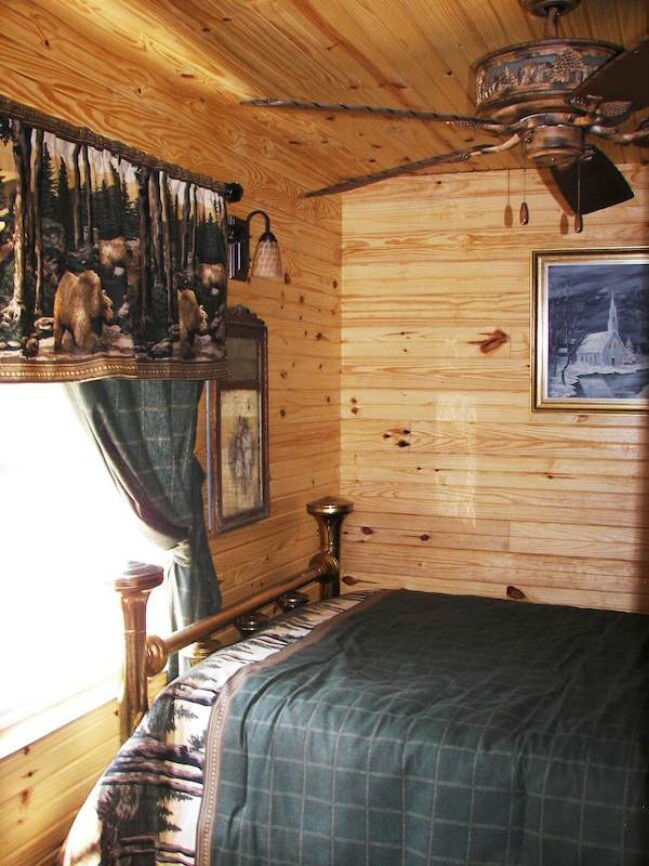 Oklahoma shipping container hunter cabin