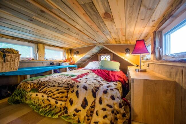 Cozy tiny house
