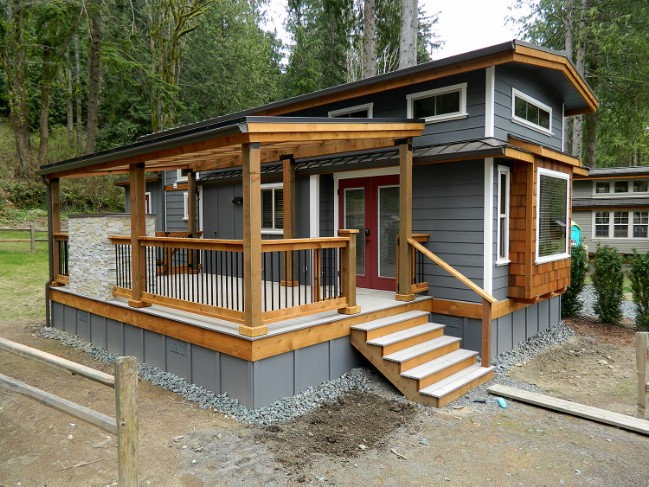 Take a look at this luxury tiny house by west coast homes for Small house deck designs