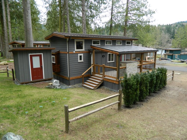 Take a look at this luxury tiny house by west coast homes for Luxury cottage homes