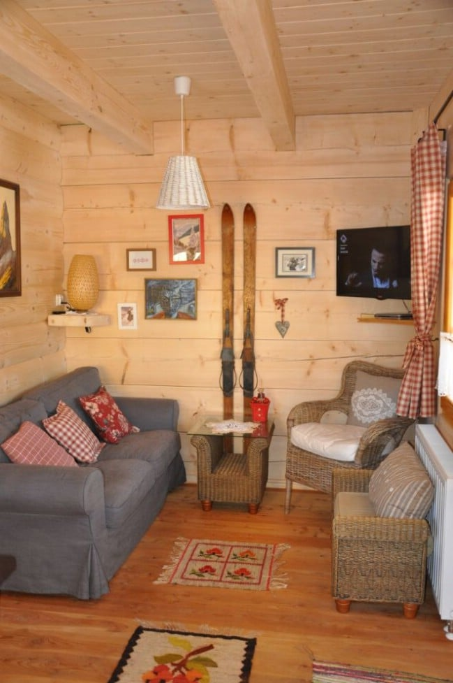Lovely 296sf handmade tiny log house by the little log for House company