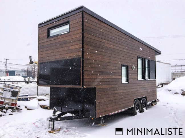 The sequoia is a 220 sf modern tiny house by quebec for Minimalist house quebec