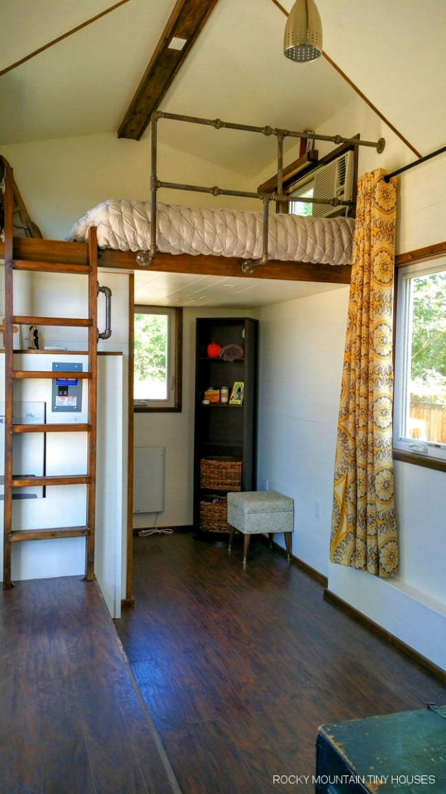 Newlyweds Design Tiny House For Their New Love Nest Tiny Houses
