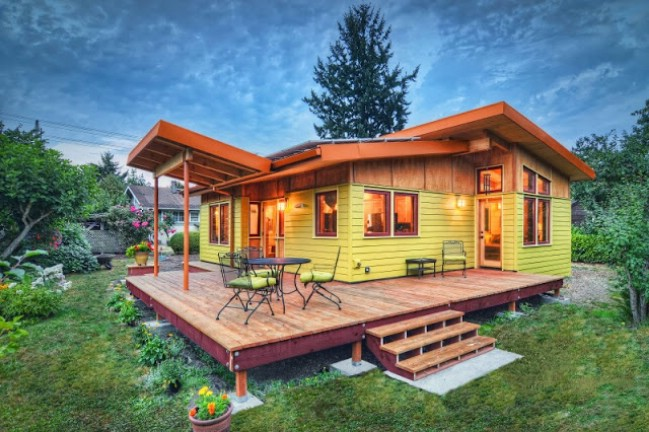 Bright and Modern Luxurious 800sf Tiny Home Catches Our Eye in