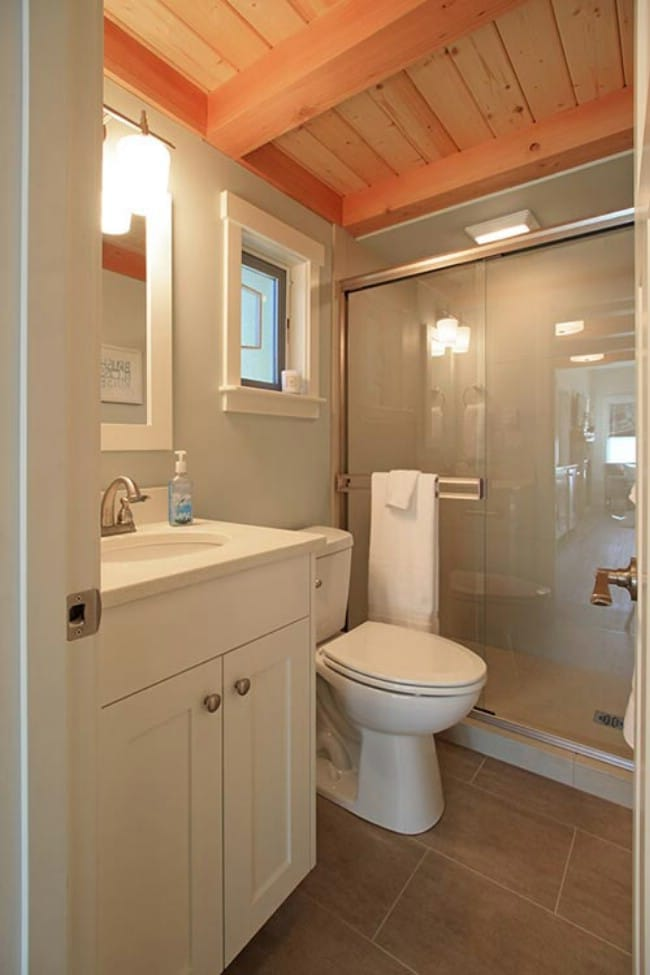 Spread out in the 400sf bellevue by west coast homes for Bathroom models small