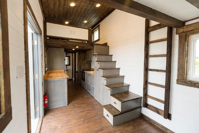 Traveling Artists Design 275sf Tiny House with Help of Tiny House Chattanooga