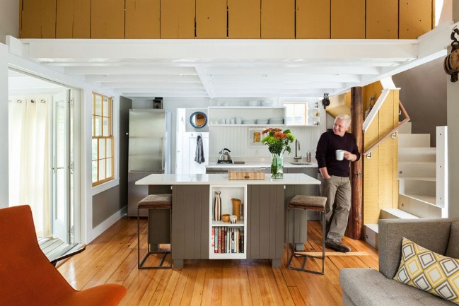 Tiny Cape Cod Cottage Packs Luxury Into Small 350sf
