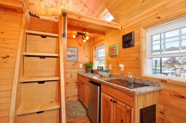 Rustic Mountaineer Tiny House by Tiny House Building Company