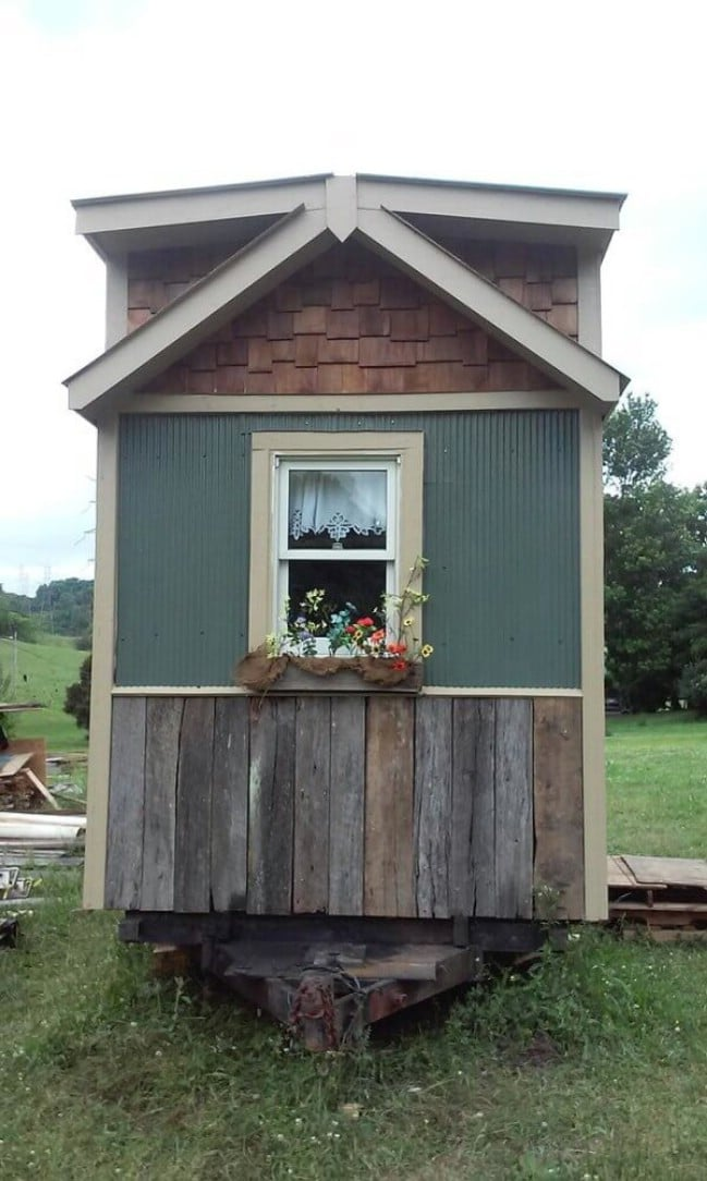 Americana perfection achieved in 128sf tiny house by for Americana homes