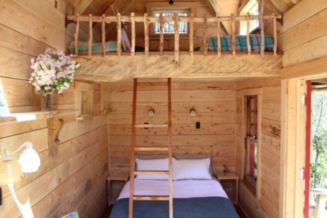 Charming and Rustic Pioneer Tiny House