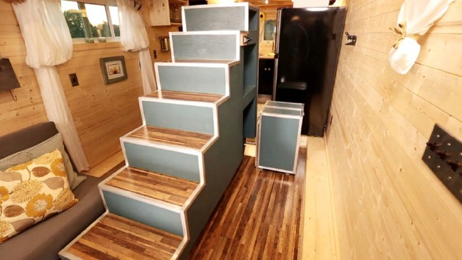 Airplane-Inspired 315 Square Feet Tiny House