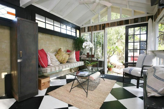 400 Square Foot Craftsman Tiny House in Venice California for