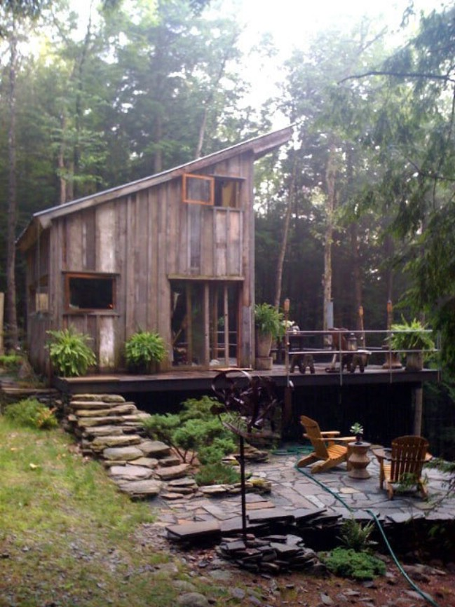 Off Grid Tiny House Made From 100 Year Old Reclaimed Wood