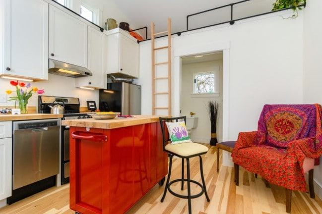 Wishbone Company Builds 768 Square Foot Tiny House Behind Asheville Home