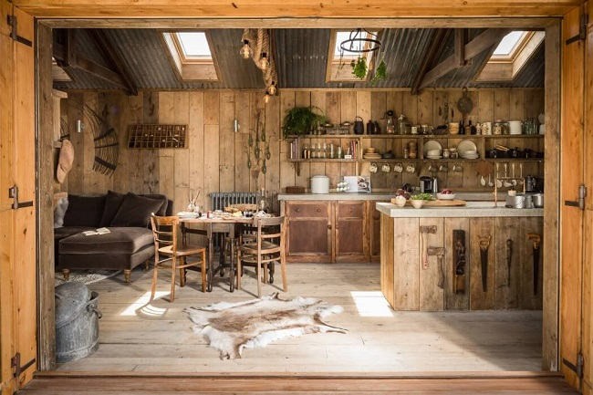 Perfect Couples Retreat At The UKs Rustic Firefly Tiny House
