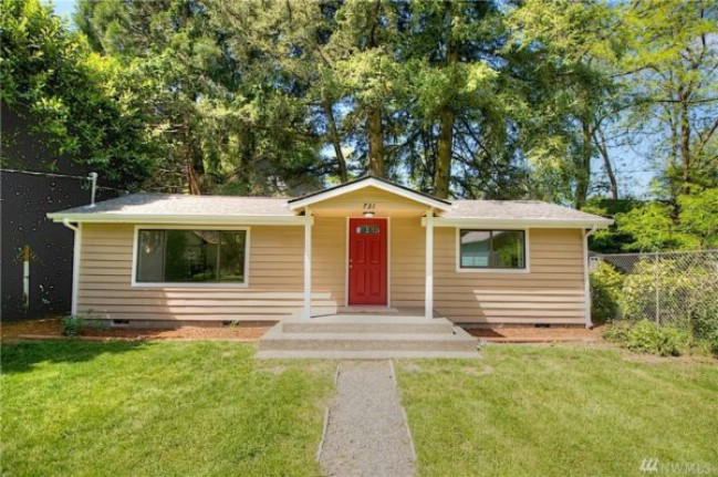 Charming tiny house for sale in olympia washington for for Small house builders washington state