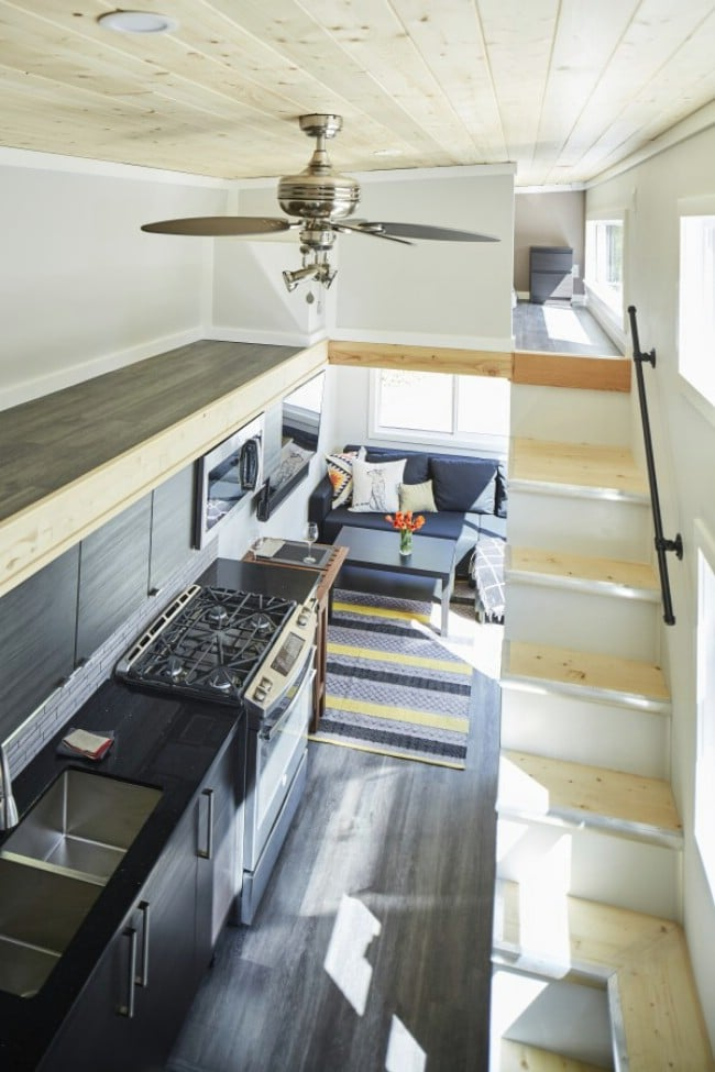 16 Tiny House Interior Design Ideas: 440 Square Foot Lillooet Tiny House By West Coast