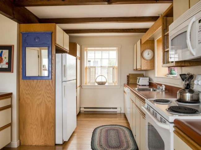 Beautifully Cozy 960 Square Foot Cottage in Maine {Tiny House Tour}