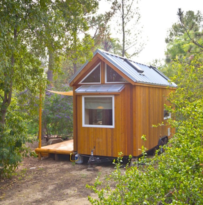 Eco Home Design Ideas: Eco-Friendly Builder Designs Beautiful 220 Square Foot