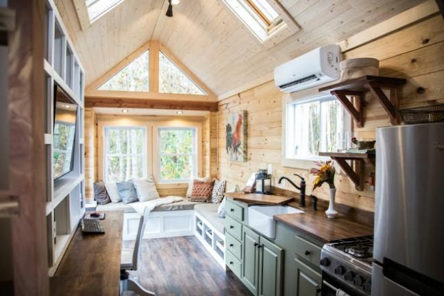 Cute And Cozy Tiny House By Free Range Tiny Homes Tiny