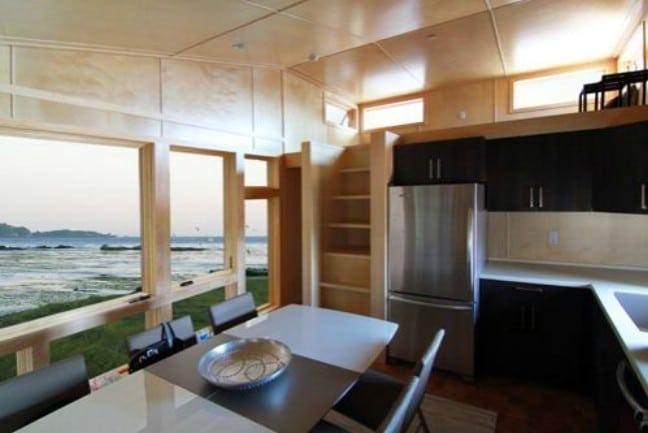 Modern and Innovative Park Model Tiny House Has Interesting Split Layout