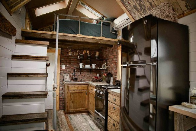 "The ""Birds Nest"" Tiny House Is a Tiny Fairytale Retreat"