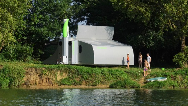 The sCarabane Futuristic Tiny House Can Rotate With the Sun