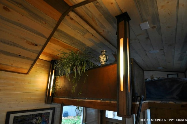 The Red Mountain Tiny House Packs Old Fashioned Charm Into 34'