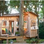 The Fox House Is a 100-Square-Foot Light-Drenched Getaway Surrounded by Trees