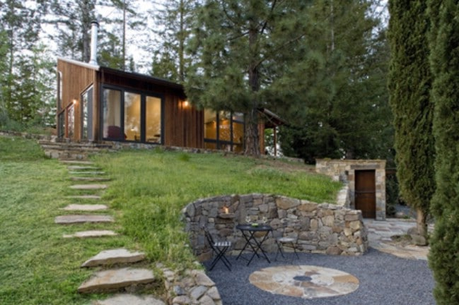 The Russian River Studio Is a Perfect Complement To Its Beautiful Woodland Site