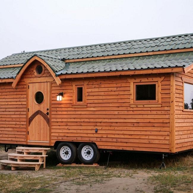 "Zyl Vardos Releases Latest One-of-a-Kind Tiny House, the ""Damselfly"""