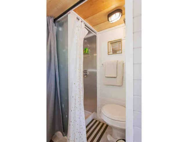Super Tiny 123 Square Foot House Being Auctioned Off Now!