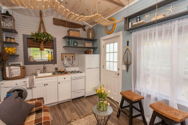 Viva collectiv designs tiny house with cape cod charm for Cape cod tiny house