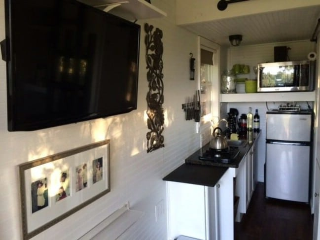 This Beautiful 128-Square-Foot Tiny House in Punta Gorda, FL Could Be Yours