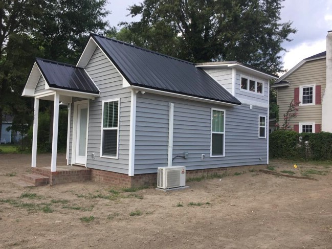 This Tiny House in Farmville Has Facebook Users Going Wild