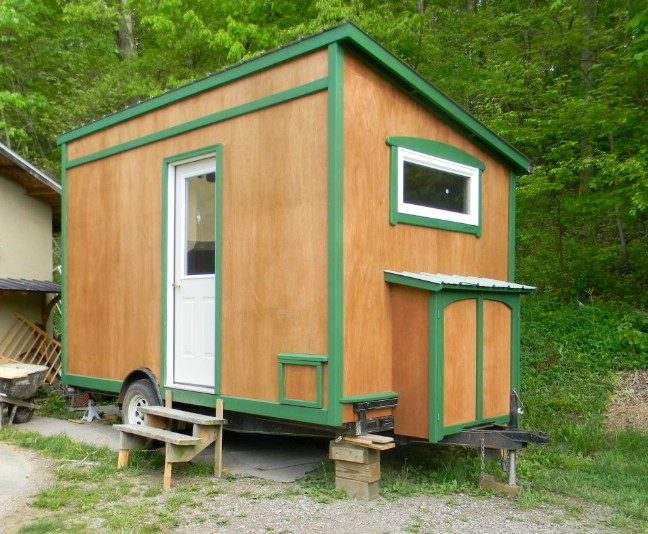 This 8 x 14 off grid cabin is a tiny house dream come true tiny houses - The off grid tiny house ...