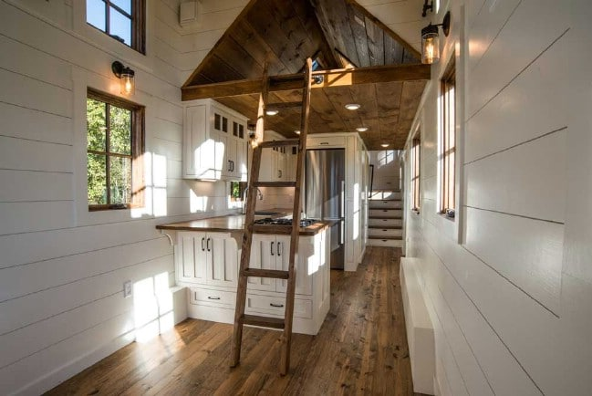 The Timbercraft Denali is a Luxurious Tiny House With Plenty