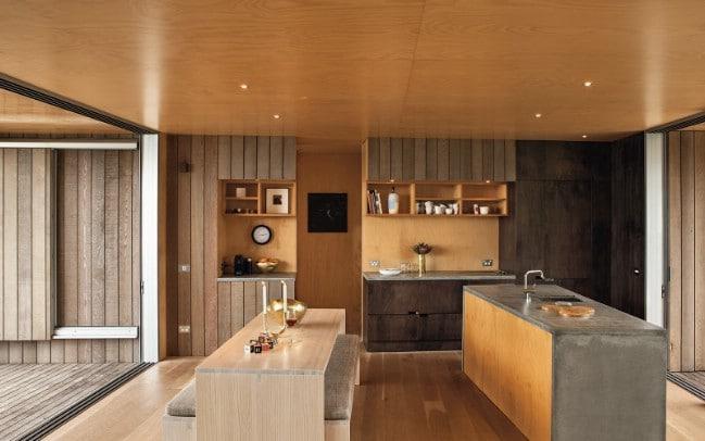 Whangapoua House Is a Luxurious Beachside Tiny House