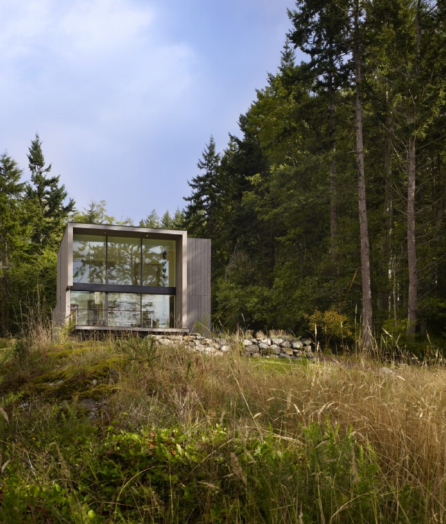 This Cube-Shaped Residence Is a Study in Bold Minimalism